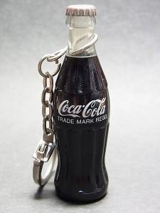 コカ・コーラのミニボトル型キーチェーン